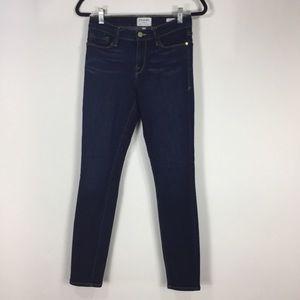 Frame Le Skinny De Jeanne Jeans in Dame